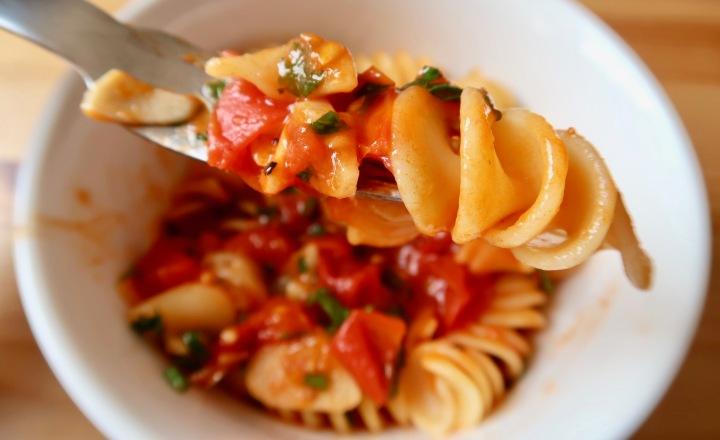 fusili-z-pomidorami