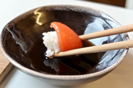 sushi-z-pomidorem