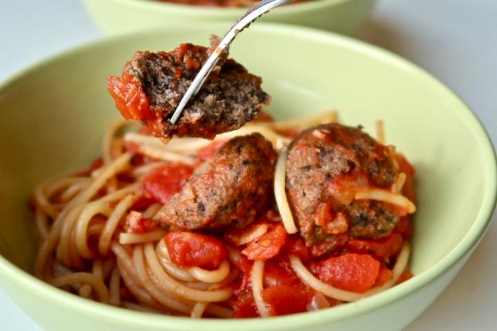 spaghetti-z-klopsikami