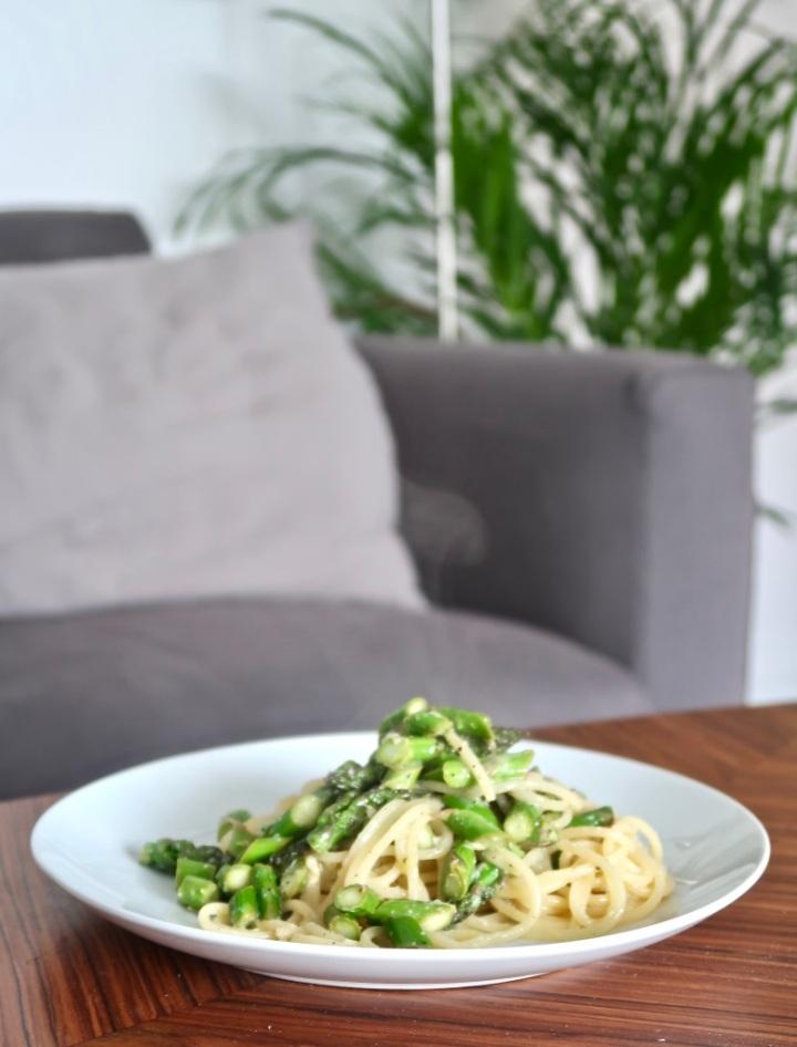 spaghetti-al-limone-ze-szparagami