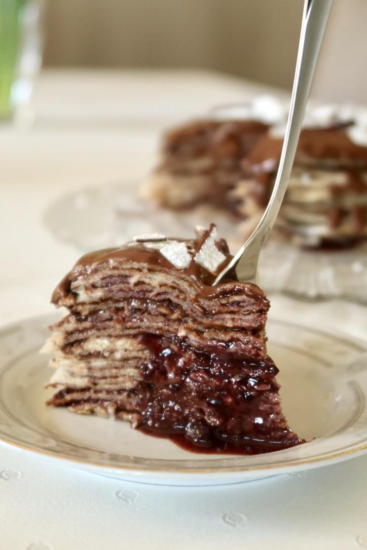 Czekoladowy tort naleśnikowy – 100 warstw na setnypost!