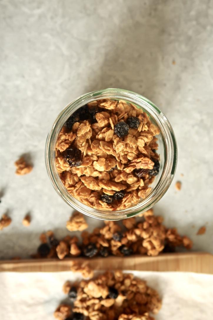 granola-tahini