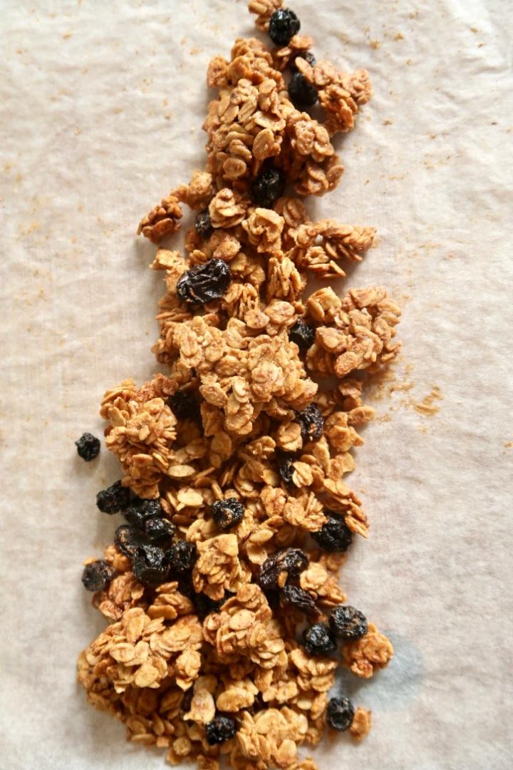 granola-z-tahini