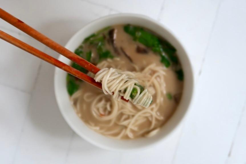 zupa-azjatycka-z-grzybami
